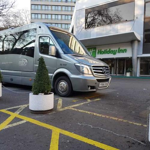 Minibus airport transfer to Holiday Inn